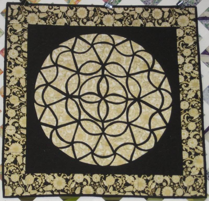 Dresden Ring Quilt Kit-24x24