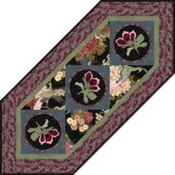 Han e mai Blossoms Tble Runner, Black-21x50 1/4