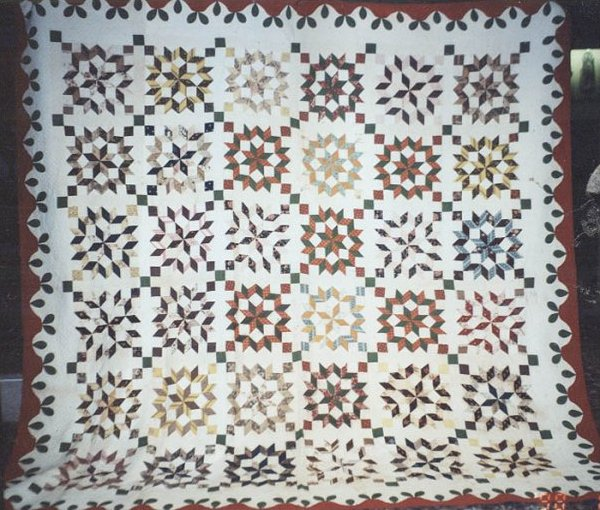 BROKEN STARS ANTIQUE QUILT, early 19th c