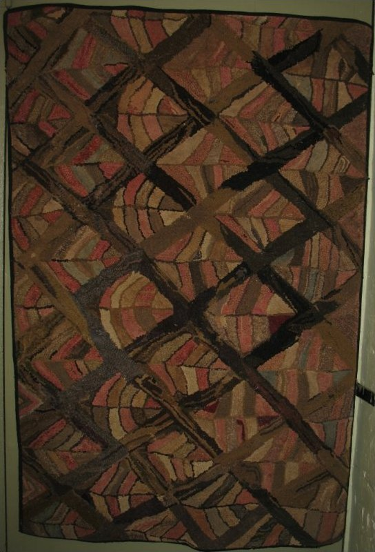 DIAMOND GRID ENCLOSING RECTANGULAR STRIPS ANTIQUE HOOKED RUG