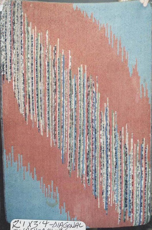 STRIE DIAGONAL BANDS ANTIQUE HOOKED  RUG