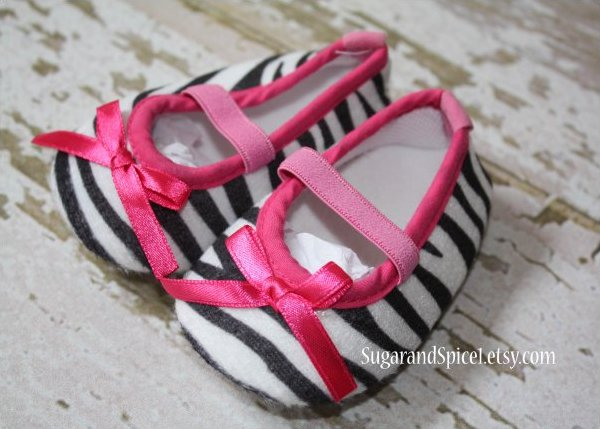 Zebra print baby shoes with pink bow