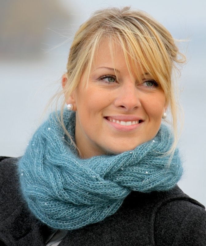 Cabled Glamour Cowl Pattern Download