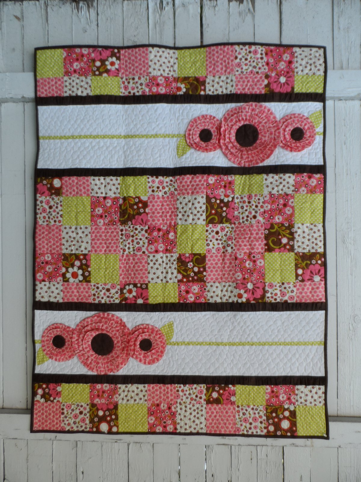Quilt Patterns For A Girl : Pocket Full of Posies Girl Baby Quilt Pattern