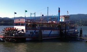Fab Shop Network's dinner cruise on the Columbia Gorge Sternwheeler.