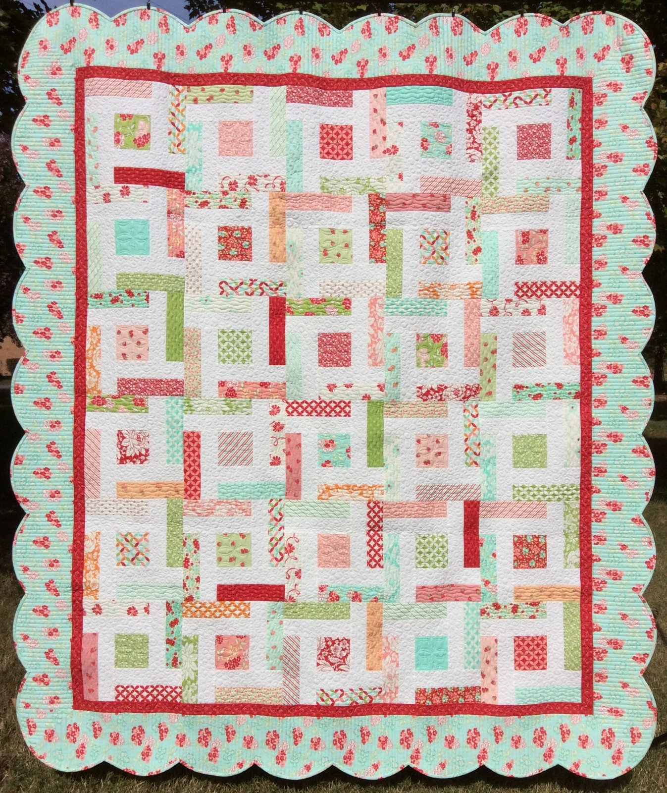 Hello Darling Quilt Kit With Scalloped Edge Border