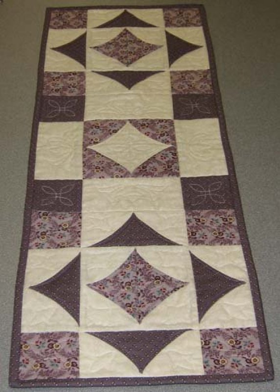 Five minute quilt block table runner 10 2 pm for 10 minute table runner directions