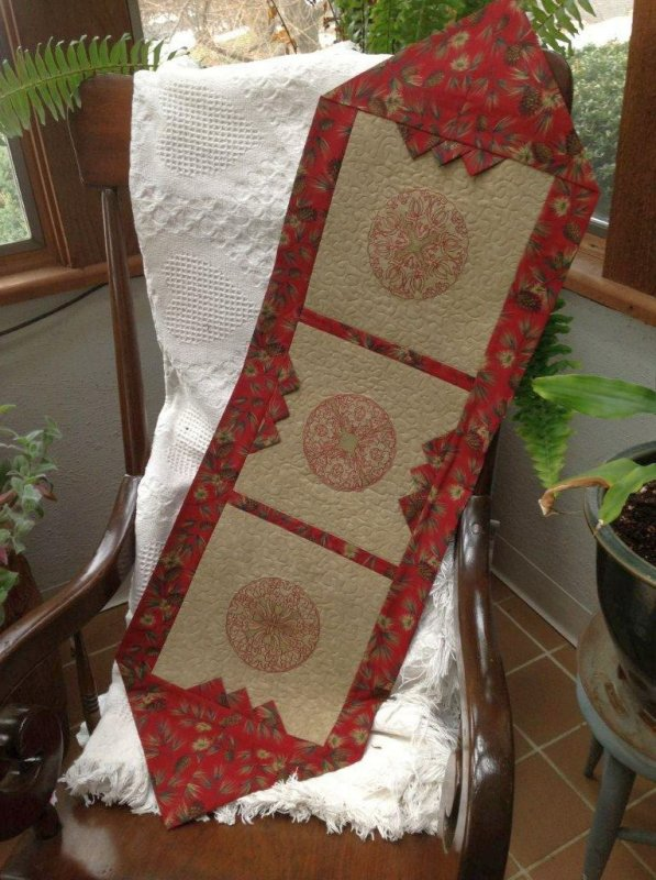 10 Minute Table Runner - Free Pattern!