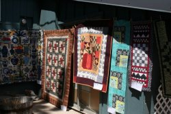 Fabrics Unlimited Outdoor Quilt Show