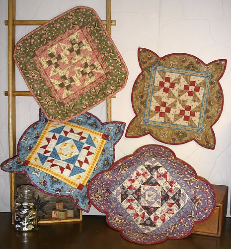 Table Cozees II- Clothesline Quilts00