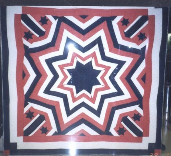 PATRIOTIC AUNT ELIZA'S STAR  ANTIQUE QUILT