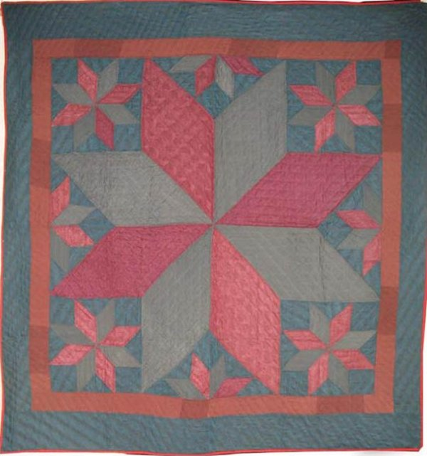 LEMOYNE STAR WITH SATELLITE STARS ANTIQUE QUILT,  PA Mennonite