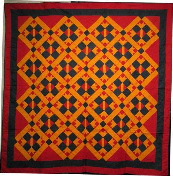 MENNONITE BEAR'S PAW ON POINT ANTIQUE QUILT