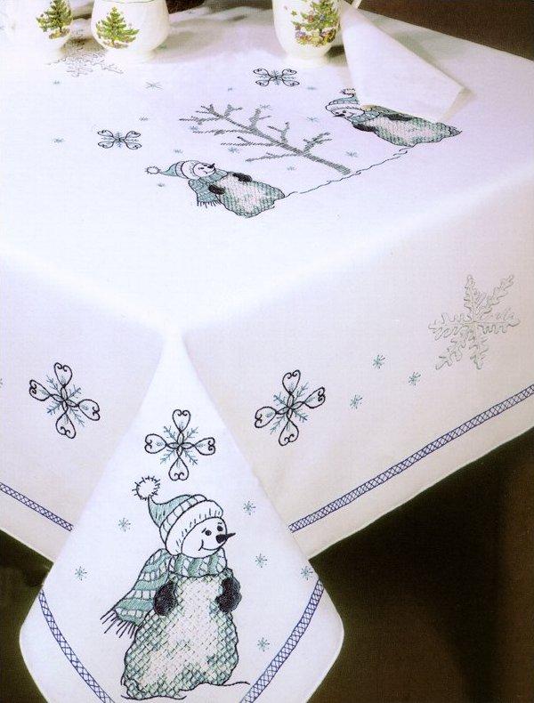 T202785 104 Blue Snowmen Tablecloth 081041060505