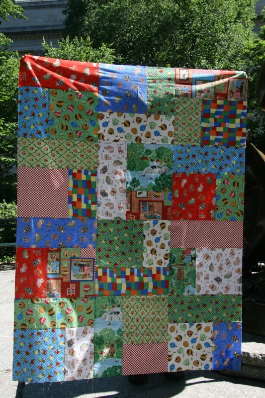 BEARSFQ15 - The Three Bears designed by Paul Meisel for Windham Fabrics