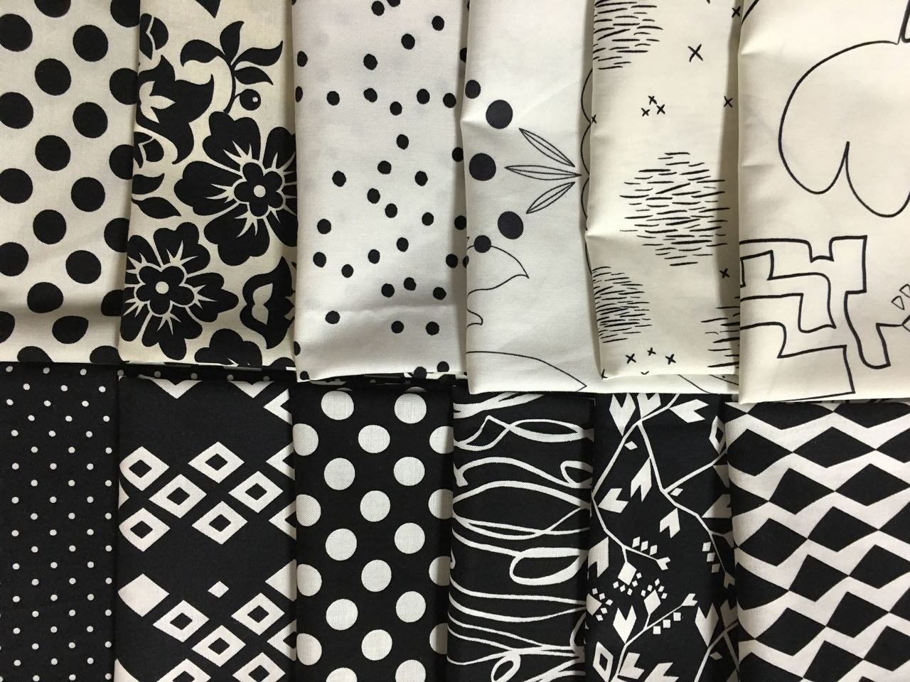 Black And White Fat Quarters 41