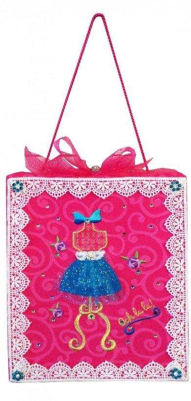 http://www.michelles-designs.com/shop/Embroidery-Designs/p/Ooh-La-La-x2634511.htm