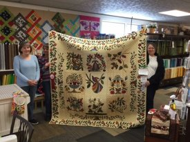 It's a Stitch Quilt Guild Jackson WI Applique raffle quilt winner