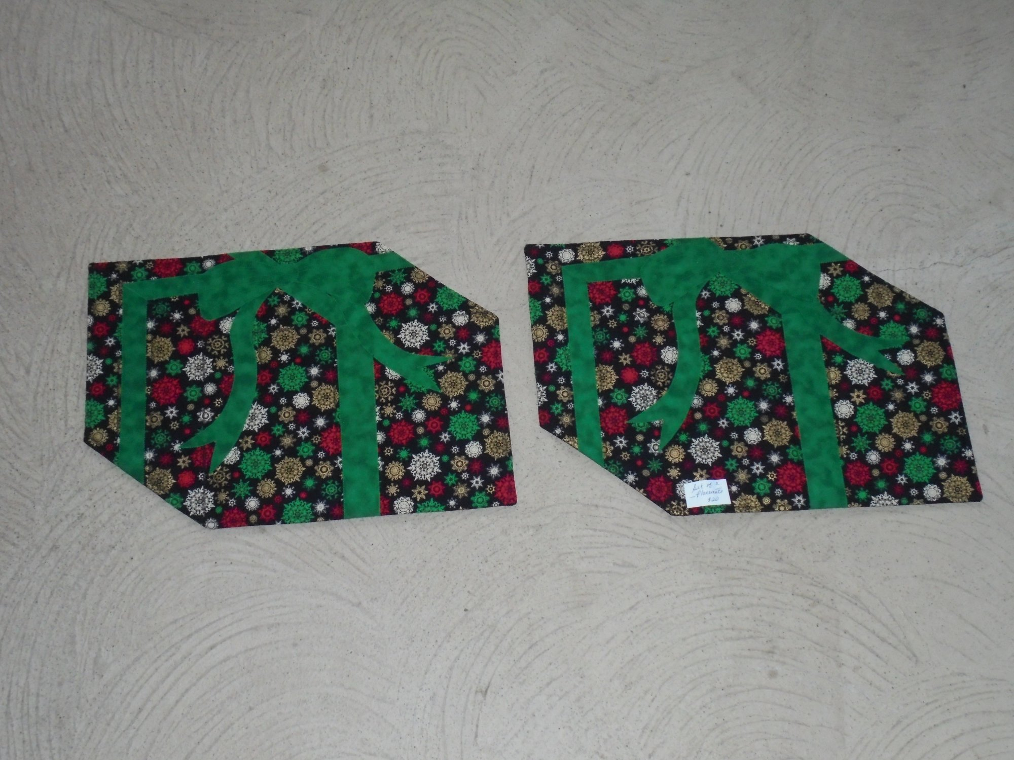 Christmas package placemats for Small square placemats