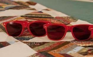 SEW RED Glasses - 1 Pair Regular