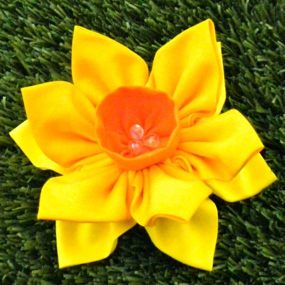 Double Daffodil Brooch - LT