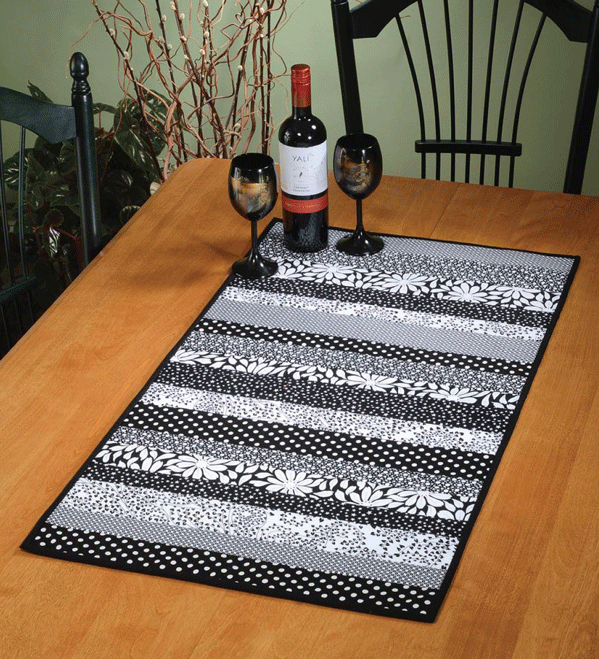 Daystripper Quilt As You Go Table Runner Pattern Card - 680569533074
