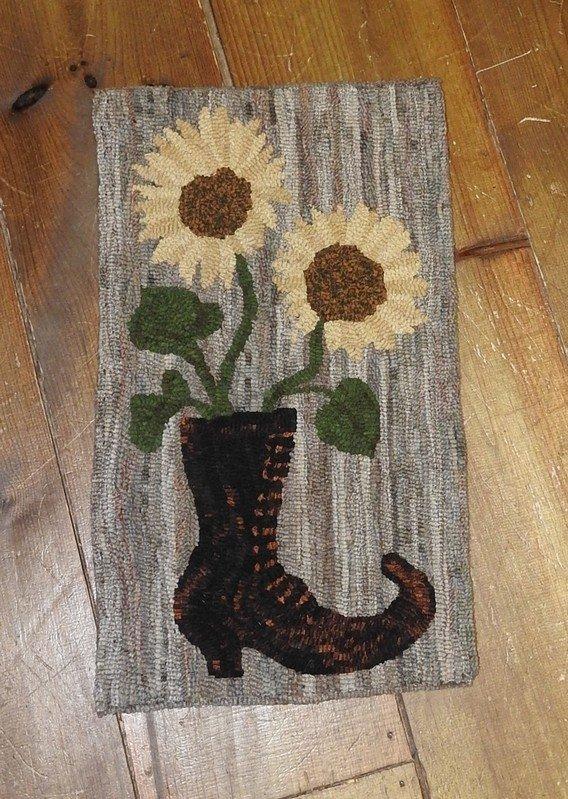 Hildy's Bouquet Rug Kit
