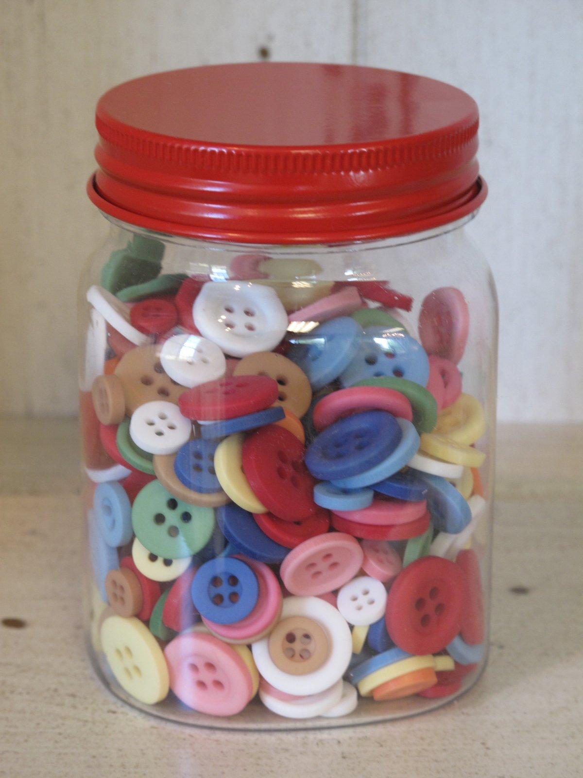 Lori Holt Cute Little Christmas Buttons