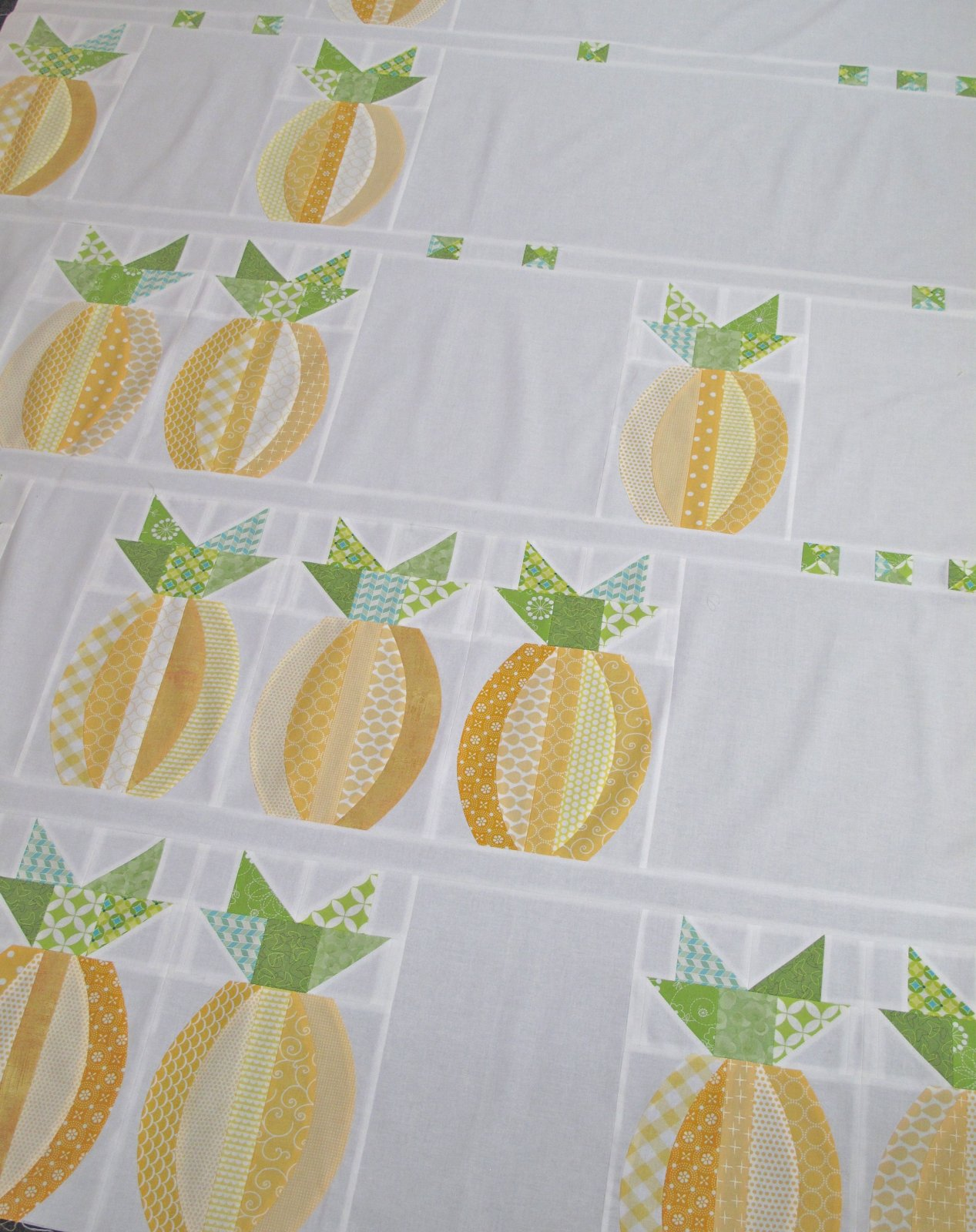 Mod Pineapples Quilt Kit