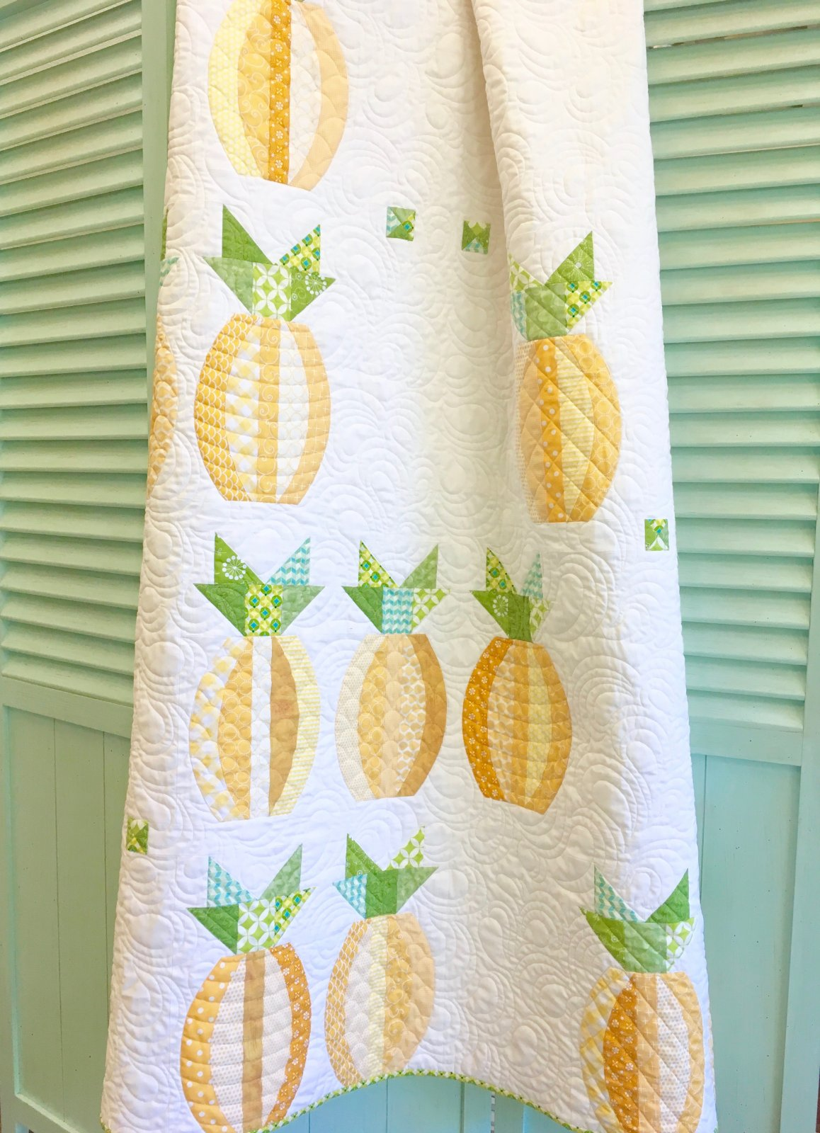 Mod Pineapples Quilt Kit