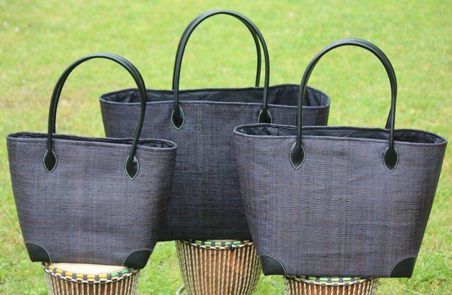 Madagascar Raffia Bag in Charcoal