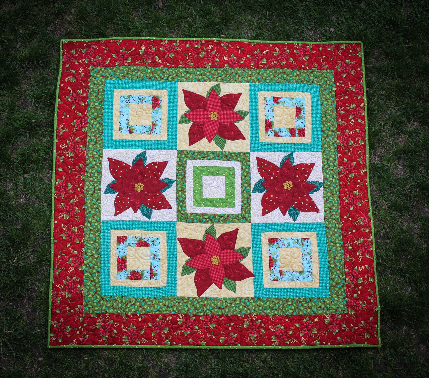 Poinsettia Patch Quilt Kit