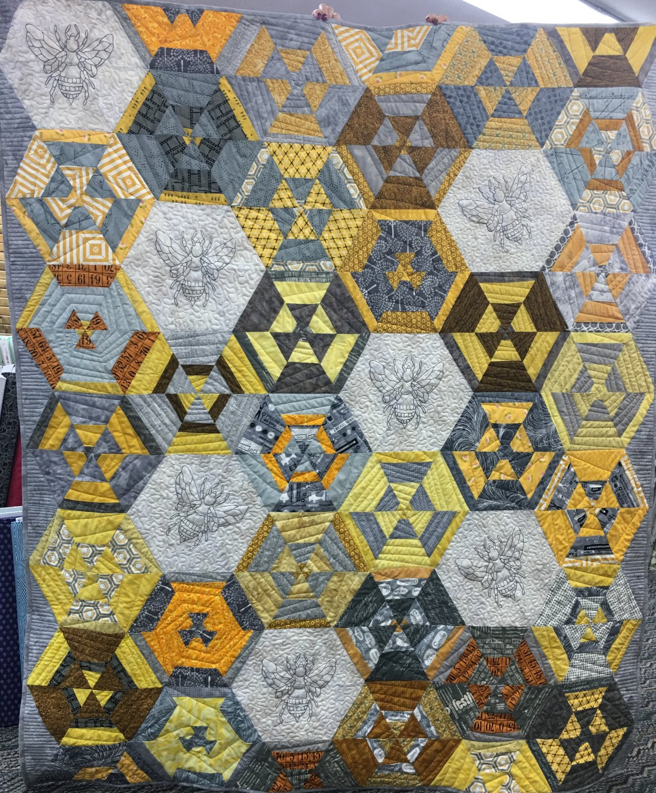 Bee Quilt Kit