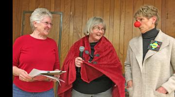Challenge Quilt Committee promoting