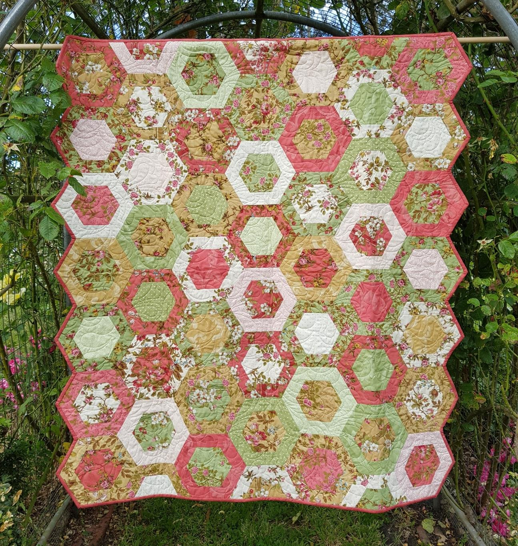 'Floral Hexagons' Quilt Kit