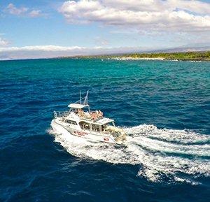 Scuba Dive and snorkel Kona aboard big island divers best dive boat