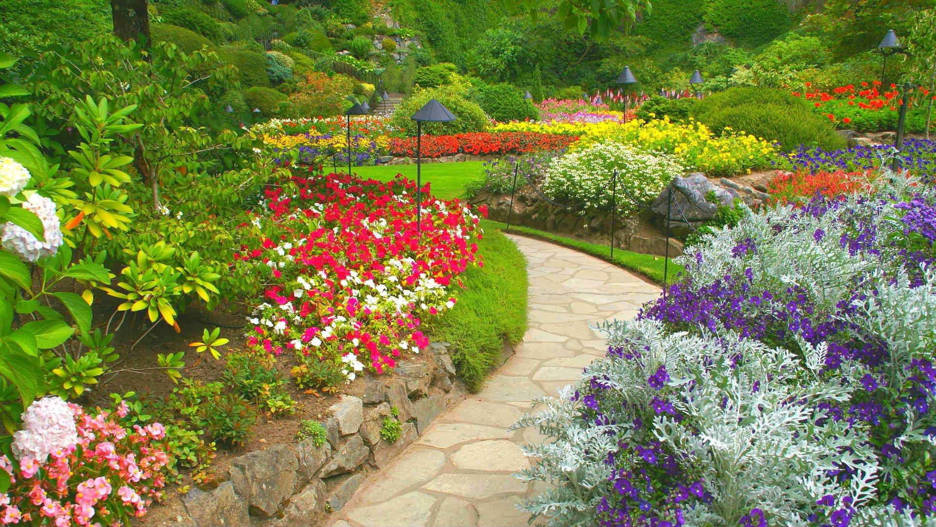 butchart flower garden with walkway