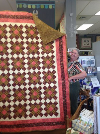 Karen Webb and her gorgeous quilt she pieced and quilted!