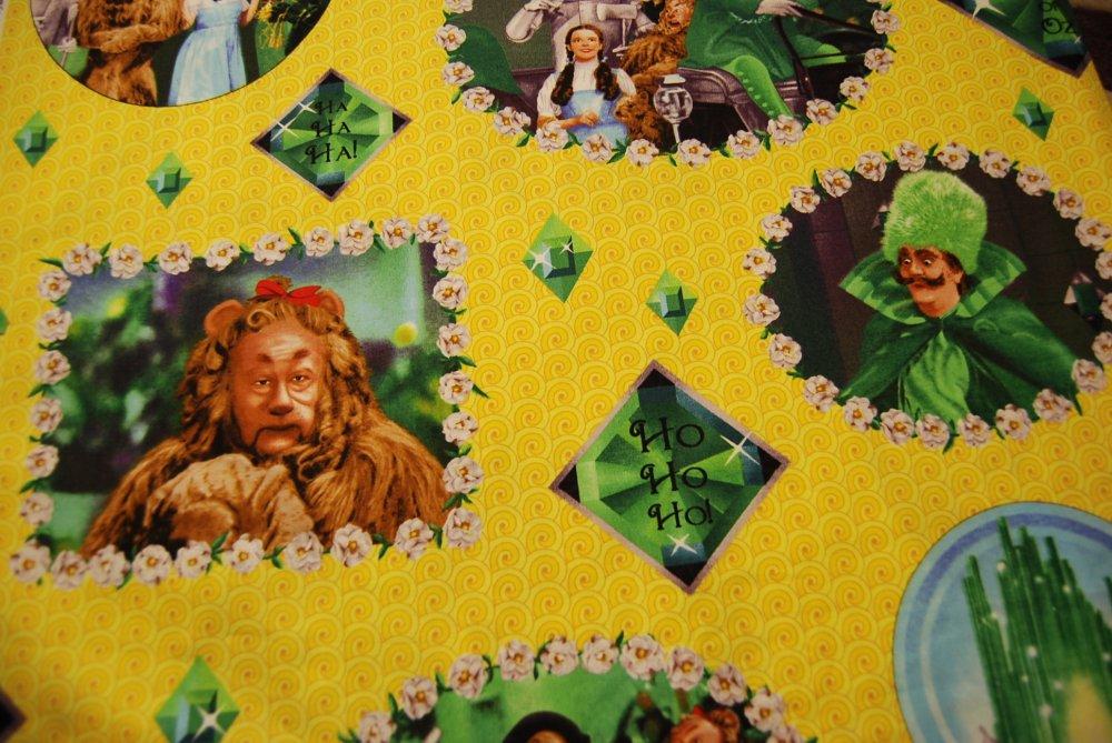 Wizard Of Oz Yellow Brick Road Munchkin Dorthy Cowardly