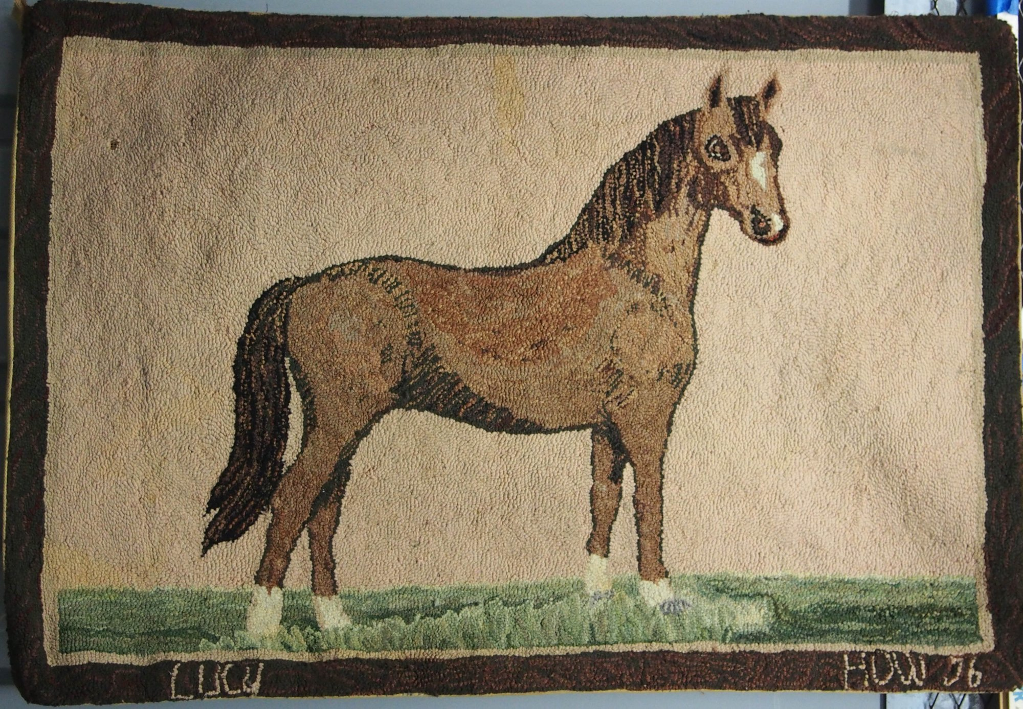 HORSE 'LUCY' ANTIQUE HOOKED RUG