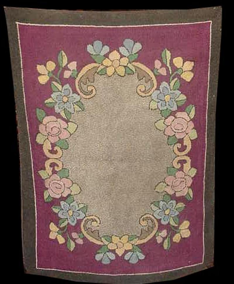 AMISH FLORAL RUG WITH OVAL CENTER