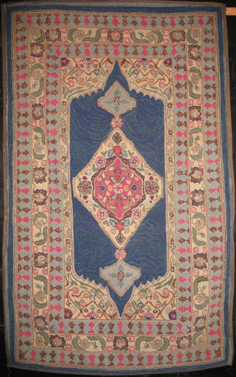 Vintage hook rug