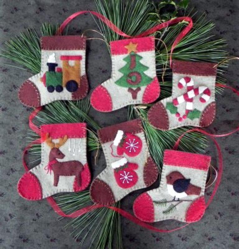 Rachel's of Greenfield Warm Feet Wooly Ornament Kit
